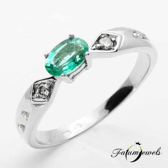 Gyémánt smaragd gyűrű