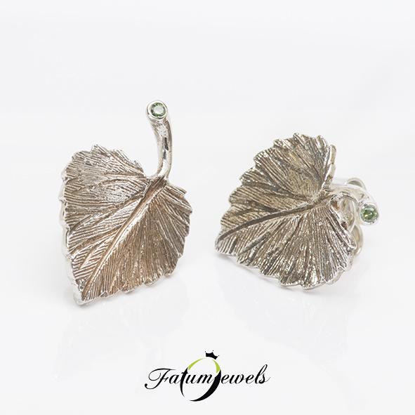 Levél fülbevaló zöld gyémánt drágakővel