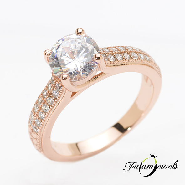 Rozé arany gyémántgyűrű a Fatumjewels tervezésében