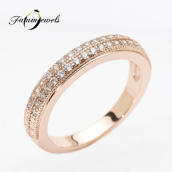Eljegyzési gyűrű pavé foglalattal gyémánt drágakövekkel