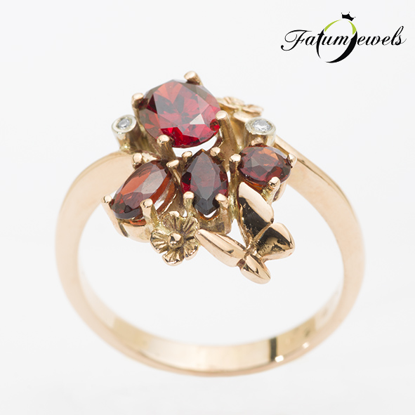Rozé arany gyémánt gránát gyűrű