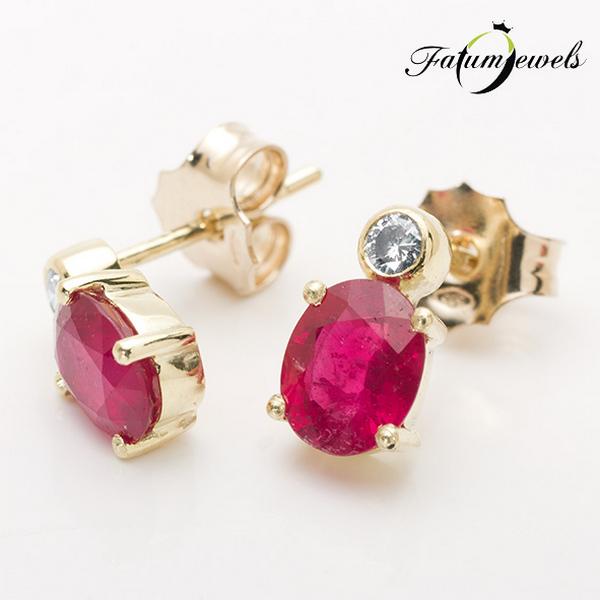 Rubin fülbevaló briliáns gyémánt drágakővel