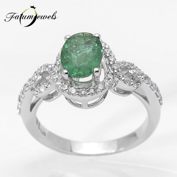 Vénusz Titka gyémánt smaragd gyűrű Fatumjewels tervezés