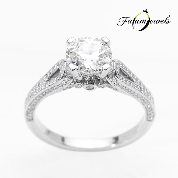 Hathor egyedi gyémántgyűrű Fatumjewels gyémánt eljegyzési gyűrű
