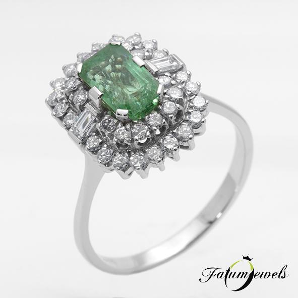 Fehérarany gyémánt smaragd halo eljegyzési gyűrű