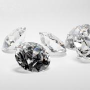 Augusztusi drágakő a gyémánt