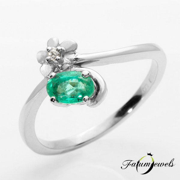 Fehérarany gyémánt smaragd gyűrű