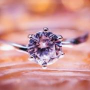 Valódi és szintetikus gyémántok
