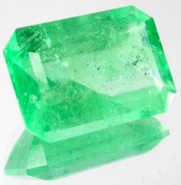 Befektetési drágakő smaragd