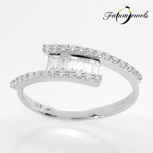 Fatumjewels különleges gyémánt eljegyzési gyűrű