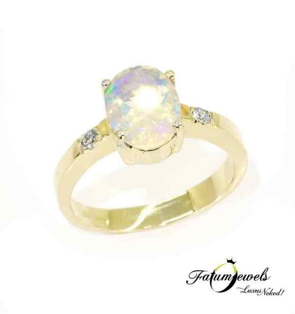 Gyémánt fazettált opál gyűrű október