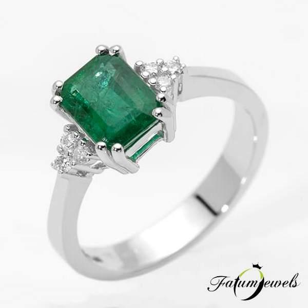 Gyémánt smaragd gyűrű a Fatumjewels Galériában